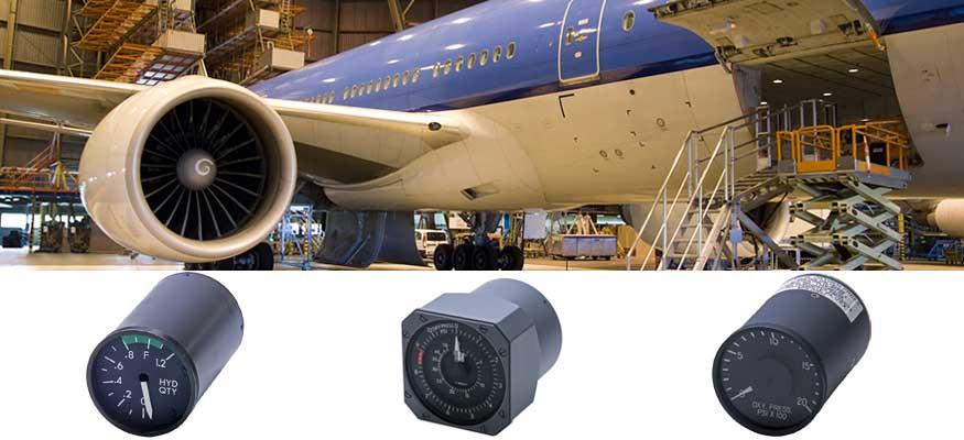 Boeing 777 cockpit indicators